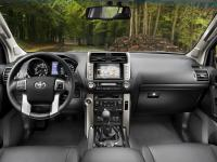 Toyota Land Cruiser 150 3 Doors 2009 #4